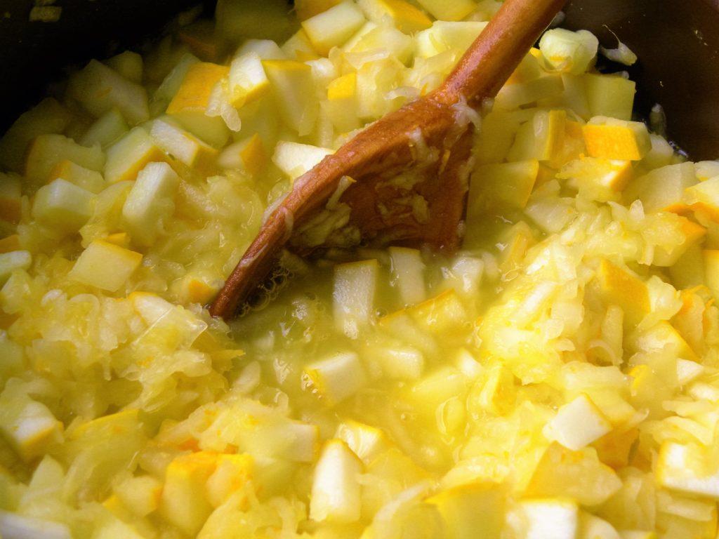 gotowanie dżemu z cukinii