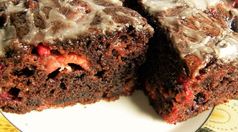 wegańśkie ciasto z porzeczkami