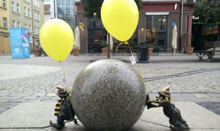 wrocławskie krasnoludki pszczoły