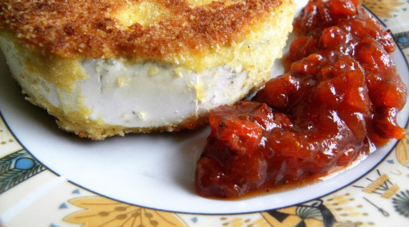 ser camembert z dżemem z jarzębiny